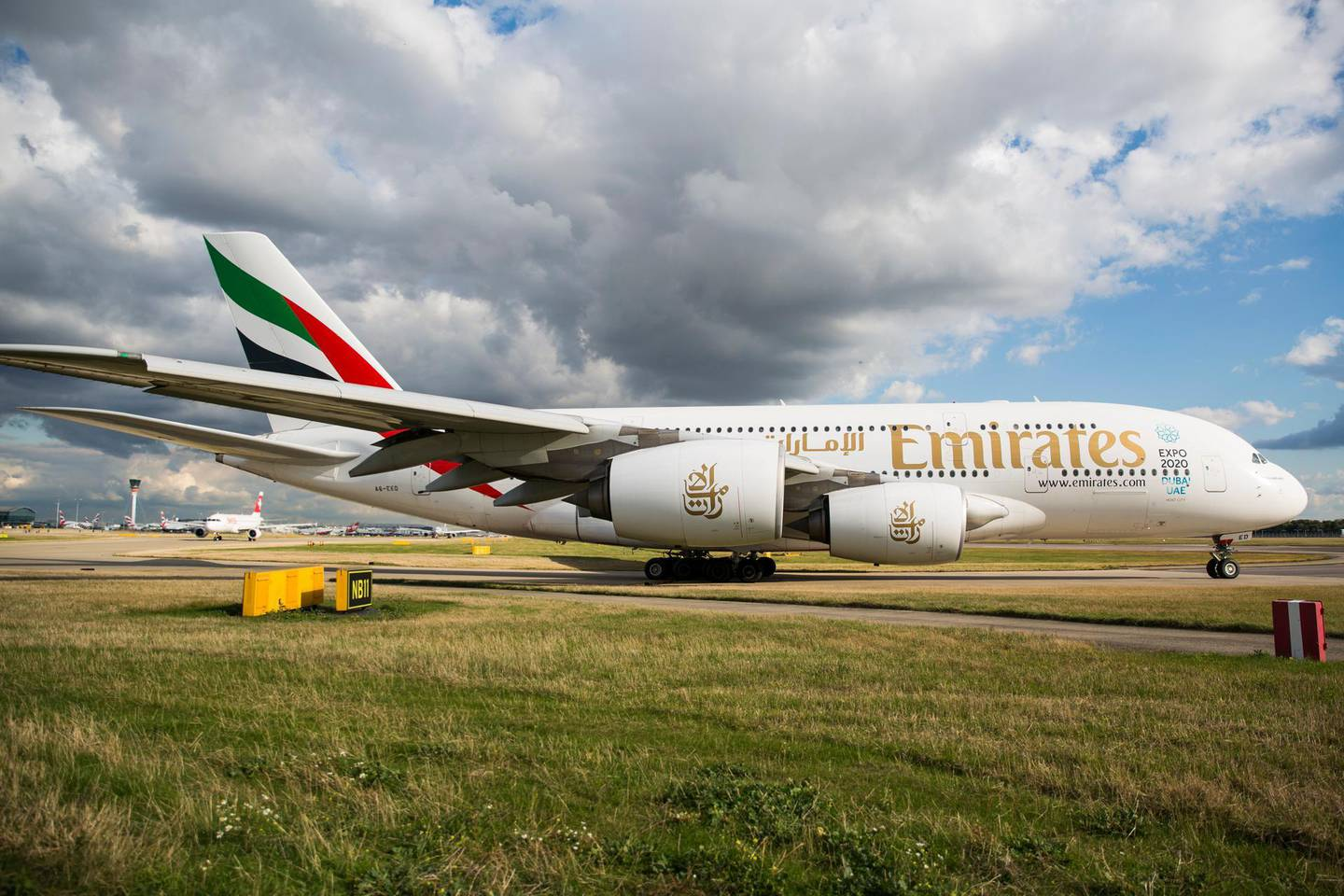LONDON, ENGLAND - OCTOBER 11: An Emirates Airbus A380 aircraft at Heathrow Airport on October 11, 2016 in London, England. The UK government has said it will announce a decision on airport expansion soon. Proposals include either a third runway at Heathrow, an extension of a runway at the airport or a new runway at Gatwick Airport. (Photo by Jack Taylor/Getty Images) *** Local Caption ***  bz10no-emirates-group.jpg