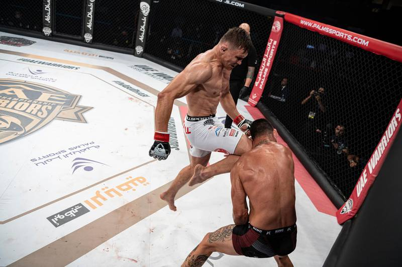 The lethal high knee from Daniel Skibinski to end the welterweight contest against Acoidan Duque in the UAE Warriors 20 at the Jiu-Jitsu Arena in Abu Dhabi on Saturday, June 19, 2021. Photo: UAE Warriors