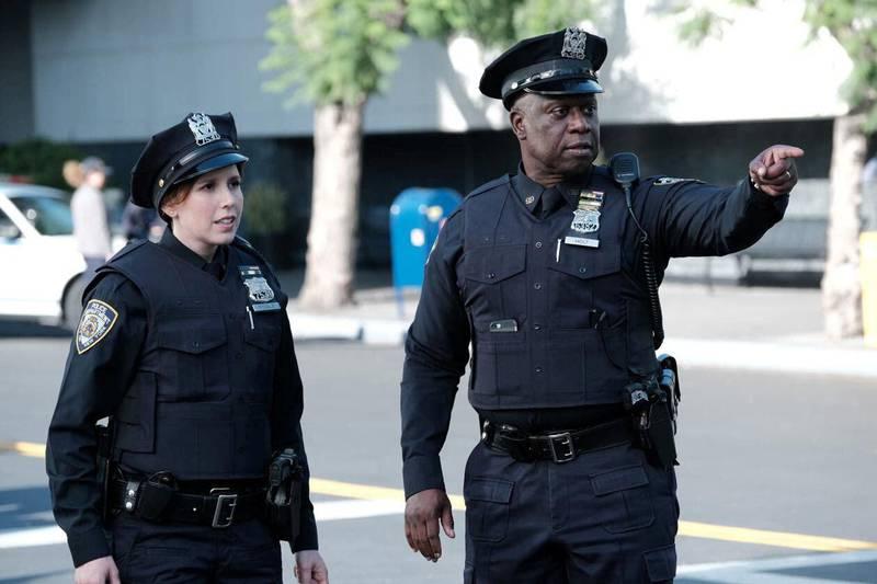 Andre Braugher and Vanessa Bayer in Brooklyn Nine-Nine (2013) IMDb