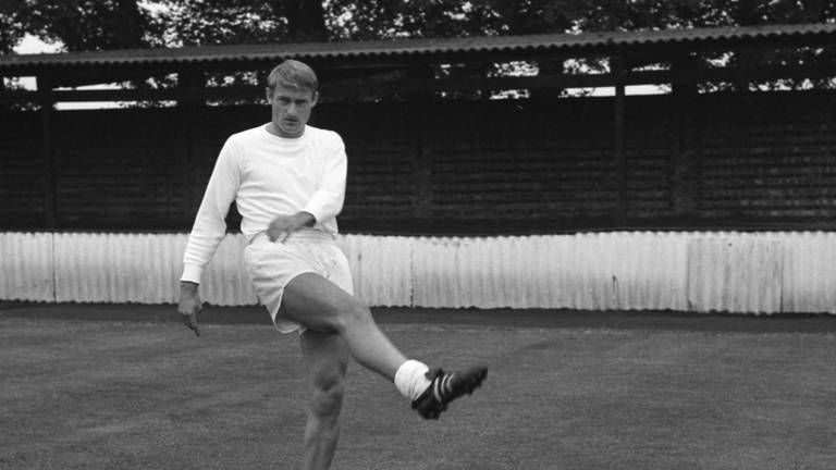 An image that illustrates this article England World Cup winner Roger Hunt dies age 83
