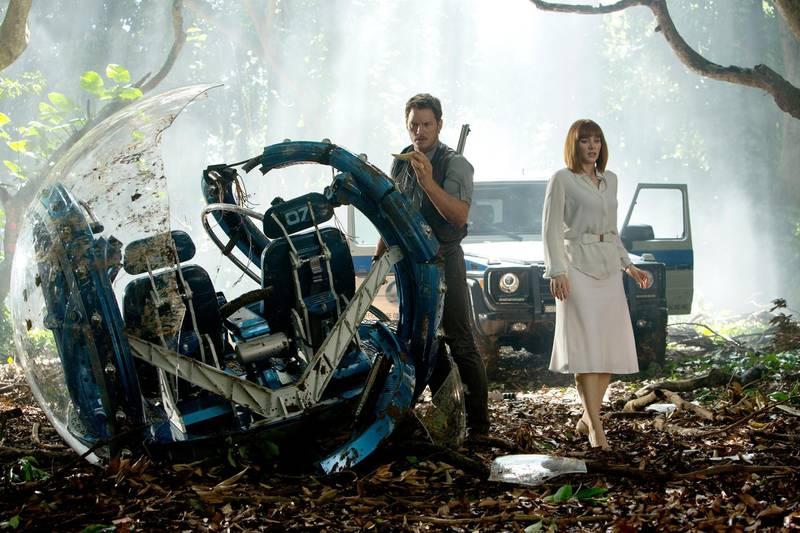 Chris Pratt and Bryce Dallas Howard in Jurassic World. 2015 CREDIT: Courtesy Amblin Entertainment *** Local Caption ***  al26ap-Sequels-1-p4.jpg