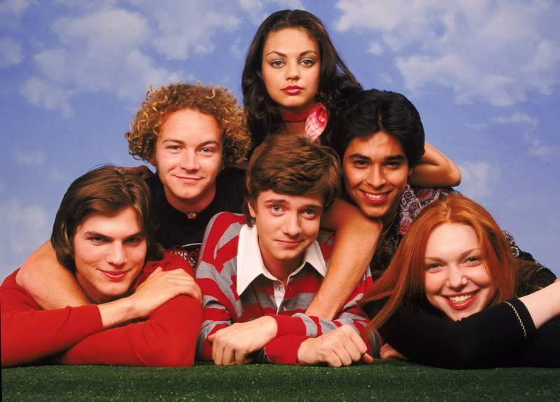 "A handout photo of Mila Kunis, Ashton Kutcher, Danny Masterson, Topher Grace, Laura Prepon & Wilmer Valderrama in ""That 70s Show"" (Courtesy: Fox) *** Local Caption ***  al30mr-crowns-70sshow.jpg"