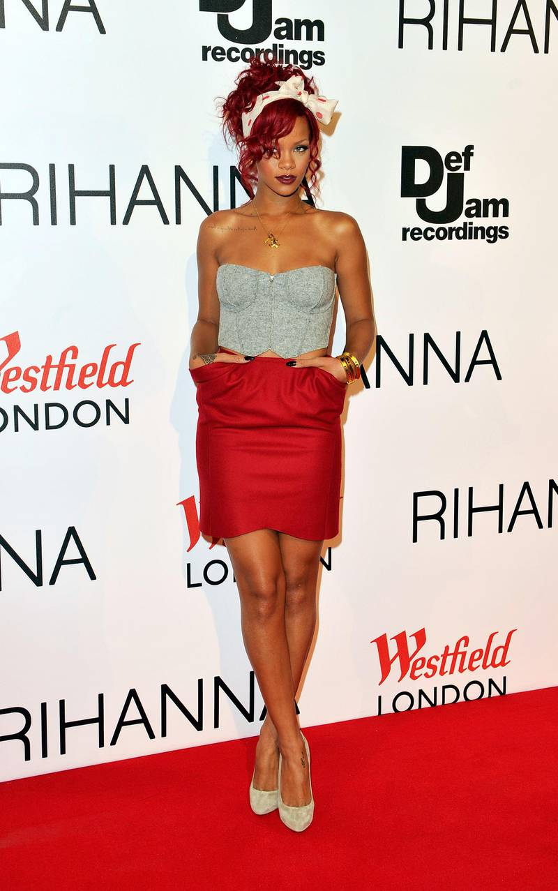 LONDON, ENGLAND - NOVEMBER 04:  Rihanna turns on the Westfield Shopping Centre Christmas lights on November 4, 2010 in London, England.  (Photo by Gareth Cattermole/Getty Images)