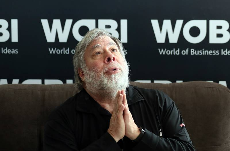 epa06789909 Apple co-founder Steve Wozniak speaks during a press conference on the sidelines of the World of Business Ideas forum in Bogota, Colombia, 06 June 2018. During the event Wozniak stated that digital privacy must be a priority for big tech companies for the security of users.  EPA/MAURICIO DUENAS CASTANEDA