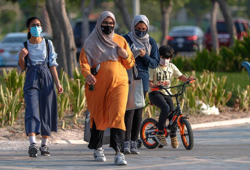 Abu Dhabi, United Arab Emirates, August 14, 2020.  The Corniche is slowly getting more and more active as Covid-19 restrictions ease.Victor Besa /The NationalSection:  NAFor:  Standalone/Stock Images
