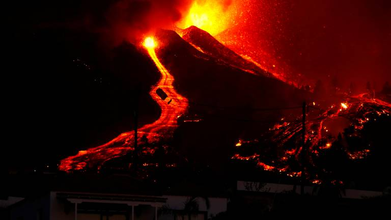 An image that illustrates this article Volcano erupts in the Canary Islands - in pictures