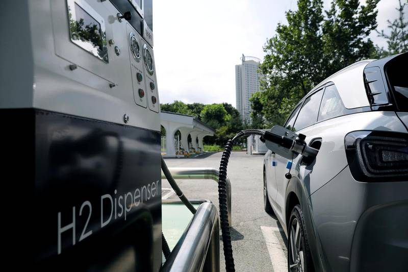 FILE PHOTO: A Hyundai Motor's Nexo hydrogen car is fuelled at a hydrogen station in Seoul, South Korea, August 13, 2019. Picture taken on August 13, 2019.    REUTERS/Kim Hong-Ji/File Photo