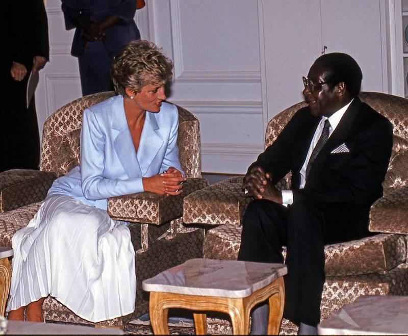 Mandatory Credit: Photo by David Hartley/Shutterstock (665646f)Princess Diana Meets President Robert MugabeBritish Royal visit to Zimbabwe - 1993