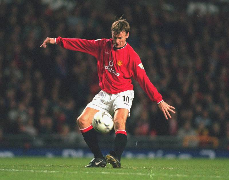 2 Dec 2000:  Teddy Sheringham of Manchester United in action during the FA Carling Premiership match against Tottenham Hotspur at Old Trafford in Manchester, England. Manchester United won the match 2 - 0. \ Mandatory Credit: Alex Livesey /Allsport/Getty Images