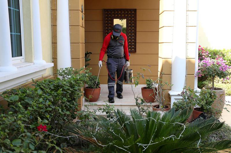DUBAI, UNITED ARAB EMIRATES , November 10 – 2020 :- John Well, Technician with Rentokil Pest Control doing the pest control treatment for the crazy ants at the villa in Jumeirah Park in Dubai. (Pawan Singh / The National) For News/Online. Story by Kelly