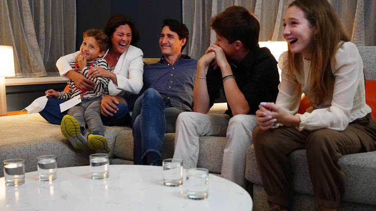 An image that illustrates this article Canadian PM Justin Trudeau on course to win third term