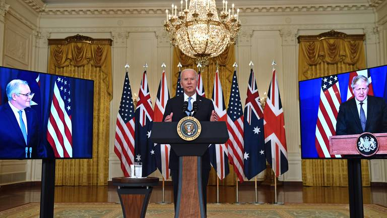 An image that illustrates this article France protests UK-US Australia defence pact as 'stab in the back'