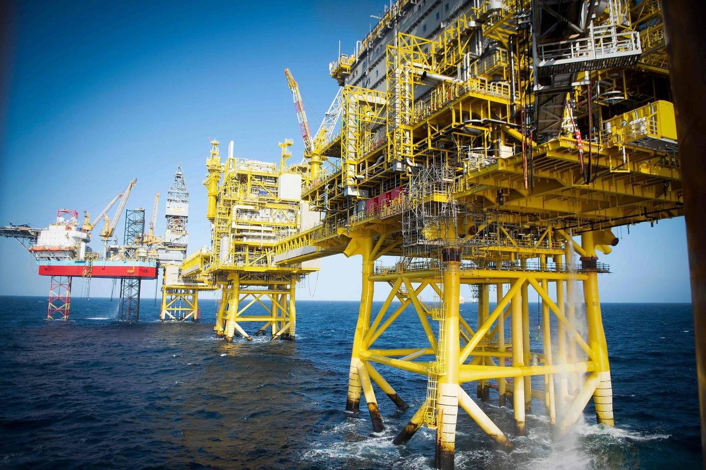 (FILES) In this file photo taken on April 08, 2019 The Total Culzean platform is pictured on the North Sea, about 45 miles (70 kilometres) east of the Aberdeen, Europe's self-proclaimed oil capital on Scotland's northeast coast, on April 8, 2019. A barrel of Brent crude oil rose to $60 on February 8, 2021 for the first time in nearly a year, a sign that the oil market is looking toward recovery.  -   / AFP / ANDY BUCHANAN