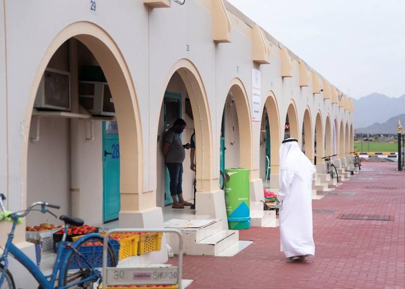 DIBBA AL HISN, UNITED ARAB EMIRATES. 15 APRIL 2020. Dibba Al Hisn's vegetable and fruits market.(Photo: Reem Mohammed/The National)Reporter:Section: