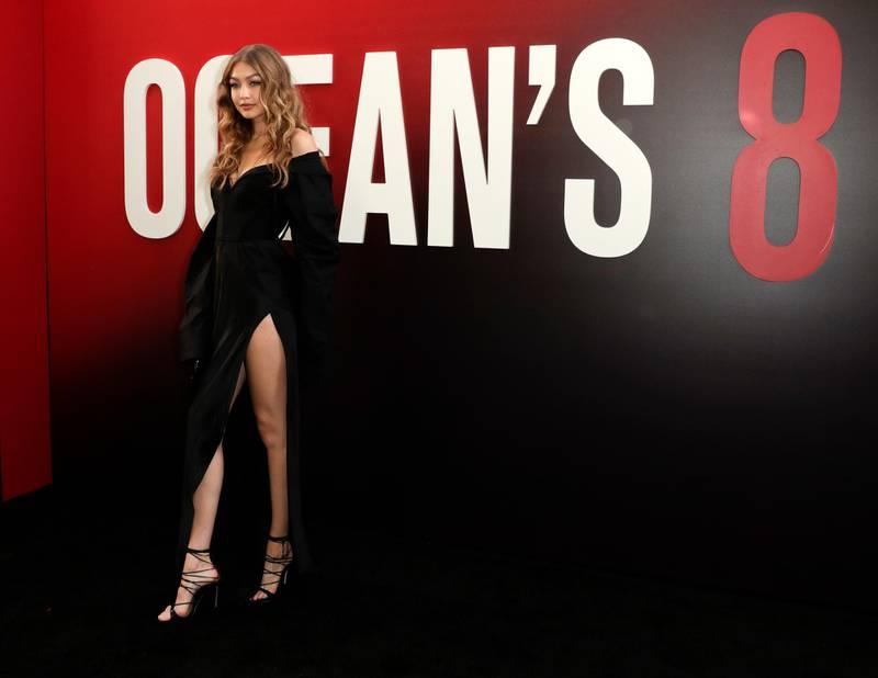 epa06788042 US supermodel Gigi Hadid arrives for the premiere of the film 'Ocean's 8' at the Alice Tully Hall in New York, New York, USA, 05 June 2018.  EPA-EFE/JASON SZENES