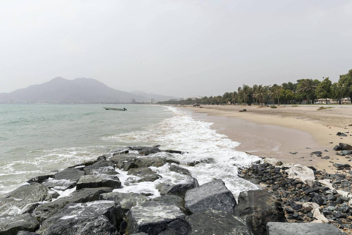 DIBBA, UNITED ARAB EMIRATES. 09 AUGUST 2018. Khor Fakkan beach on the east coast of the UAE. (Photo: Antonie Robertson/The National) Journalist: Kevin Hacket. Section: National.