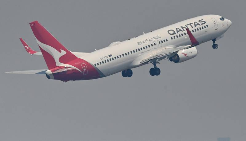 A Qantas Boeing 737-800 takes off from Sydney's Kingsford Smith airport in Sydney on November 1, 2019. (Photo by PETER PARKS / AFP)