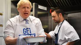 Polls narrow as UK political leaders enter final campaigning day