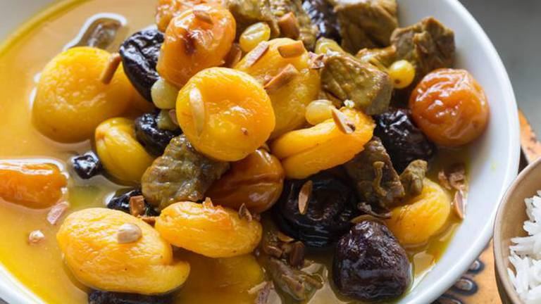 An image that illustrates this article Ramadan recipe: margat hamidh helou – sweet and sour stew
