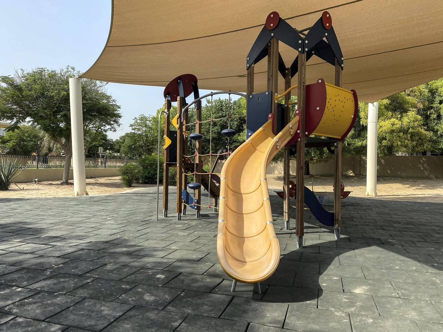DUBAI UNITED ARAB EMIRATES. 17 NOVEMBER 2020.Community guide: Arabian Ranches . The Ranches has an abundance of facilities from tennis, basketball courts and playgrounds. (Photo: Antonie Robertson/The National) Journalist: Sarwat Nasir. Section: National.