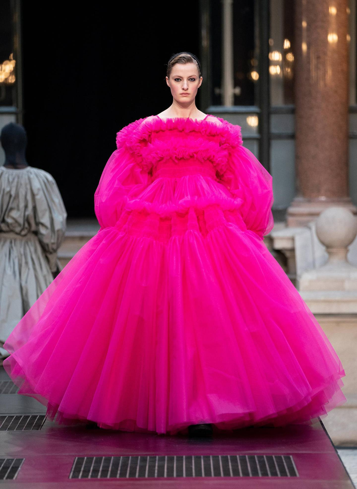 epa07374937 A model presents a creation by British designer Molly Goddard during the London Fashion Week 2019, in Central London, Britain, 16 February 2019. The LFW Fall/Winter 2019 runs from 15 to 19 February.  EPA/TOM NICHOLSON