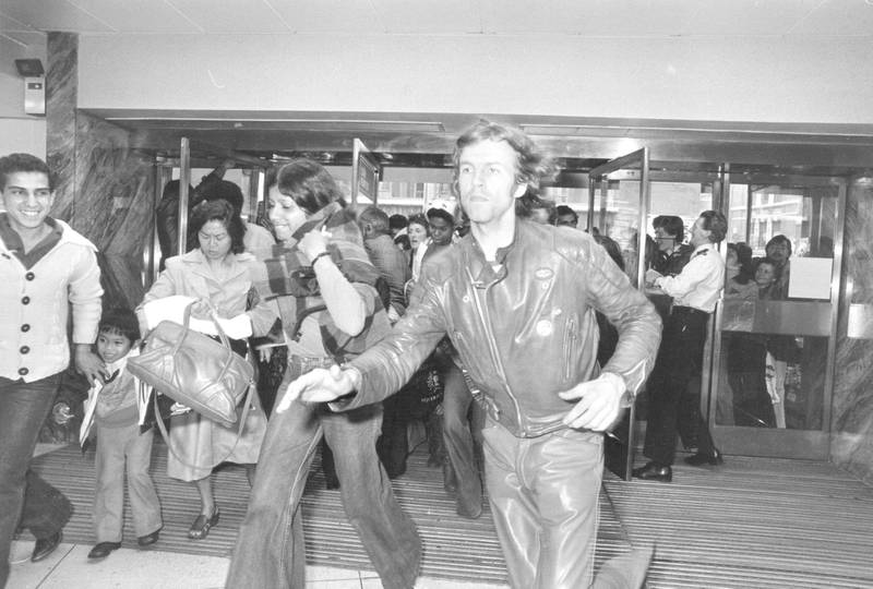 13th July 1978:  Customers rush into Debenhams department store as the doors open for its sale.  (Photo by Robin Jones/Evening Standard/Getty Images)