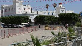 France presses Tunisia to appoint new government