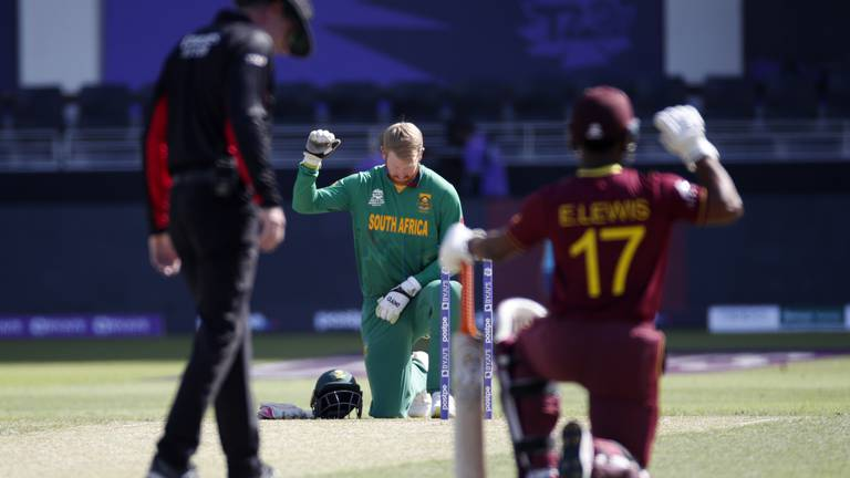 An image that illustrates this article T20 World Cup: South Africa's win overshadowed by De Kock withdrawal
