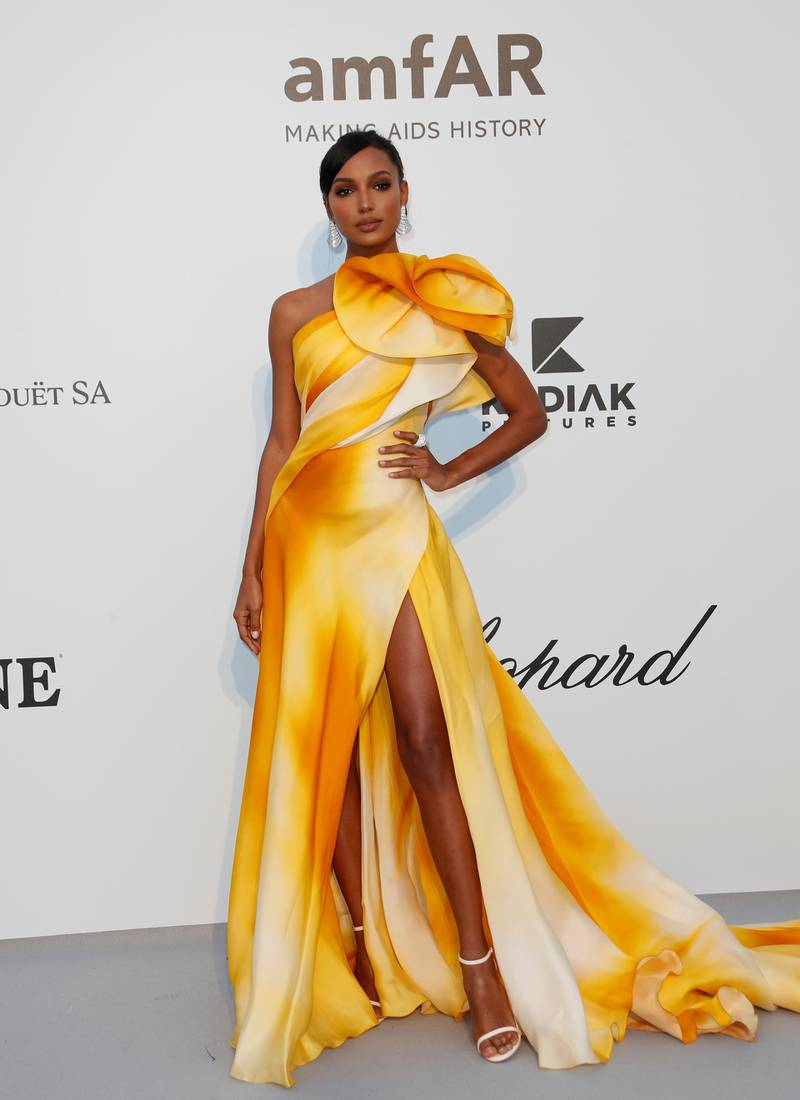 epa07595236 US model Jasmine Tookes attends the Cinema Against AIDS amfAR gala 2019 held at the Hotel du Cap, Eden Roc in Cap d'Antibes, France, 23 May 2019, within the scope of the 72nd annual Cannes Film Festival that runs from 14 to 25 May.  EPA-EFE/SEBASTIEN NOGIER