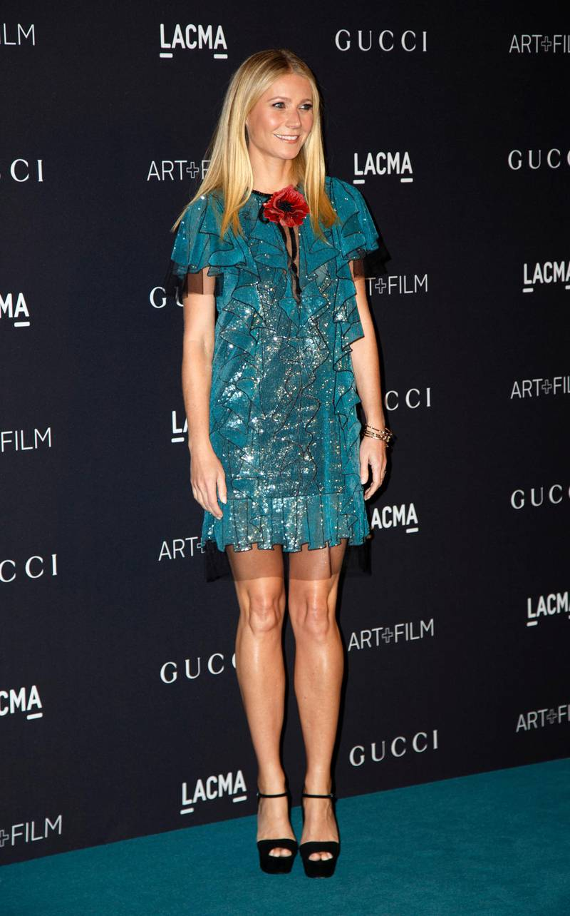 epa05016223 US actress Gwyneth Paltrow arrives for the Los Angeles County Museum of Art (LACMA) Art+Film Gala in Los Angeles, California, USA, 07 November 2015. The fifth annual event honored Mexican film director Alejandro Gonzalez Inarritu and US artist James Turrell.  EPA/EUGENE GARCIA