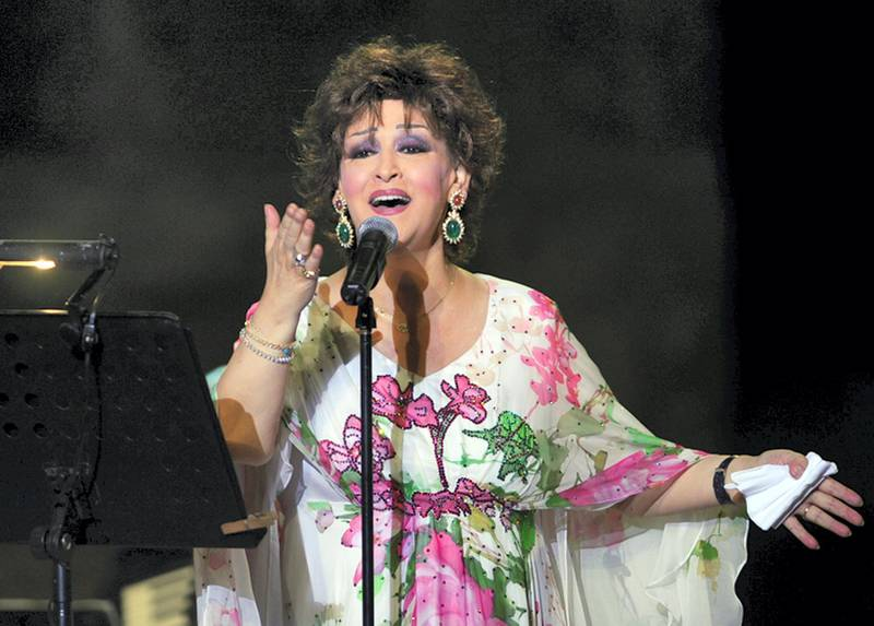 Algerian-Egyptian singer Warda performs during the 45th session of the International Carthage festival, on July 28, 2009 at the Romain theatre in Carthage, near Tunis. AFP PHOTO/FETHI BELAID (Photo by FETHI BELAID / AFP)