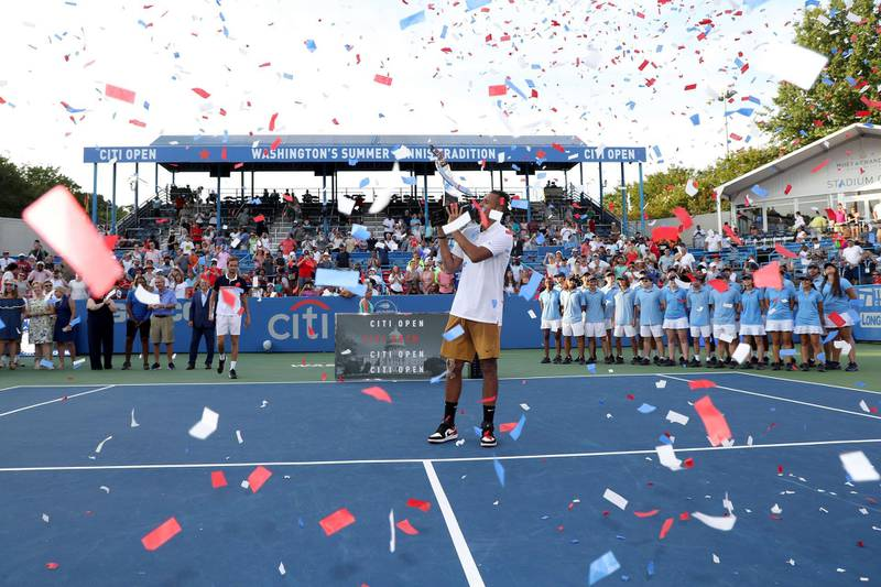 WASHINGTON, DC - AUGUST 04: Nick Kyrgios of Australia holds up the trophy after defeating Daniil Medvedev of Russia during the men's singles final of the Citi Open at Rock Creek Tennis Center on August 04, 2019 in Washington, DC.   Rob Carr/Getty Images/AFP == FOR NEWSPAPERS, INTERNET, TELCOS & TELEVISION USE ONLY ==