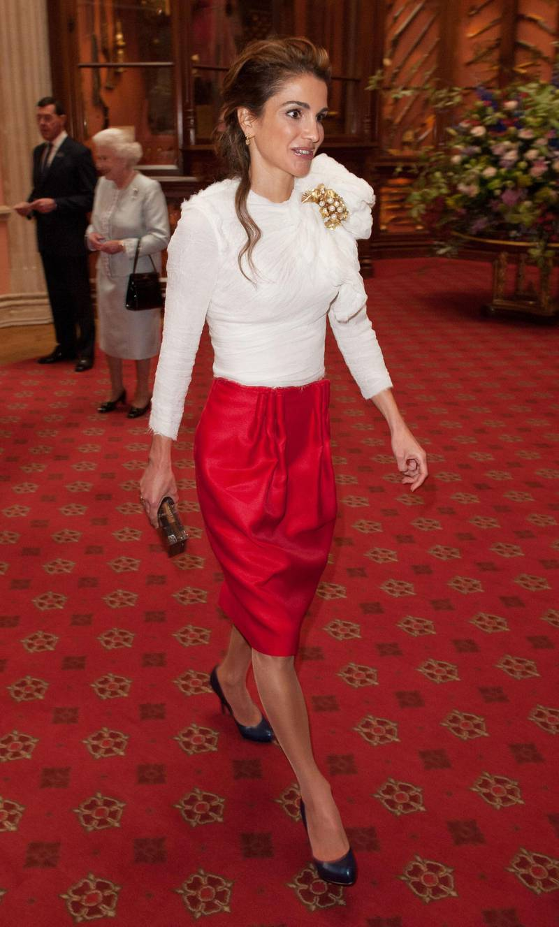 WINDSOR, ENGLAND - MAY 18: Queen Rania of Jordan arrives at a lunch For Sovereign Monarchs in honour of Queen Elizabeth II's Diamond Jubilee, at Windsor Castle, on May 18, 2012 in Windsor, England. (Photo by Dominic Lipinski - WPA Pool/Getty Images)