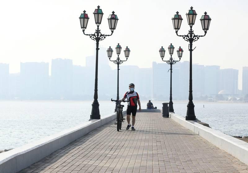 Morning-AD  Residents seen in the morning along the Corniche, in Abu Dhabi on June 5, 2021. Khushnum Bhandari / The National  Reporter: N/A News