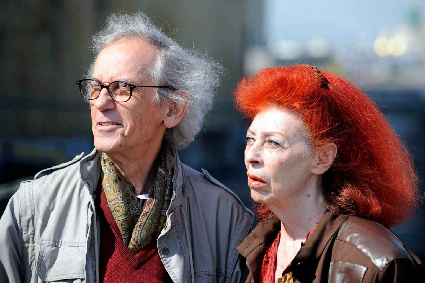 epa08456657 (FILE) - A file photo dated 15 April 2009 shows artists Christo (L) and his wife, Jeanne-Claude, attend a press conference in Vienna, Austria  (reissued 31 May 2020). According to media reports, Christo has died aged 84.  EPA/ROLAND SCHLAGER  AUSTRIA OUT *** Local Caption *** 01939030