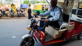 India looks to fuel economic engine to prevent growth from stalling