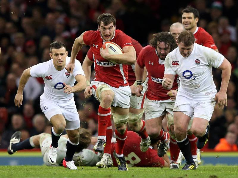 CARDIFF, WALES - MARCH 16:  Flanker Sam Warburton of Wales makes a break during the RBS Six Nations match between Wales and England at Millennium Stadium on March 16, 2013 in Cardiff, Wales.  (Photo by Alex Livesey/Getty Images)