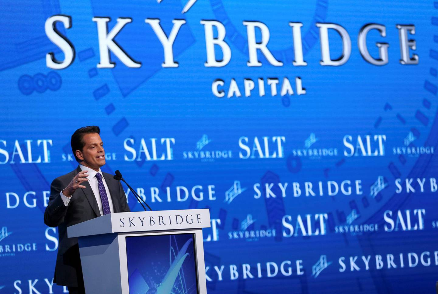 FILE PHOTO: Anthony Scaramucci, Founder and Co-Managing Partner at SkyBridge Capital, speaks during the opening remarks during the SALT conference in Las Vegas, Nevada, U.S. May 17, 2017.  REUTERS/Richard Brian/File Photo