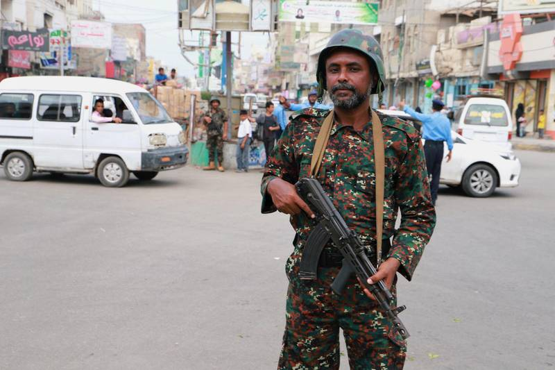 FILE PHOTO: A police trooper stands on a street in the Red Sea port city of Hodeidah, Yemen February 13, 2019. REUTERS/Abduljabbar Zeyad/File Photo