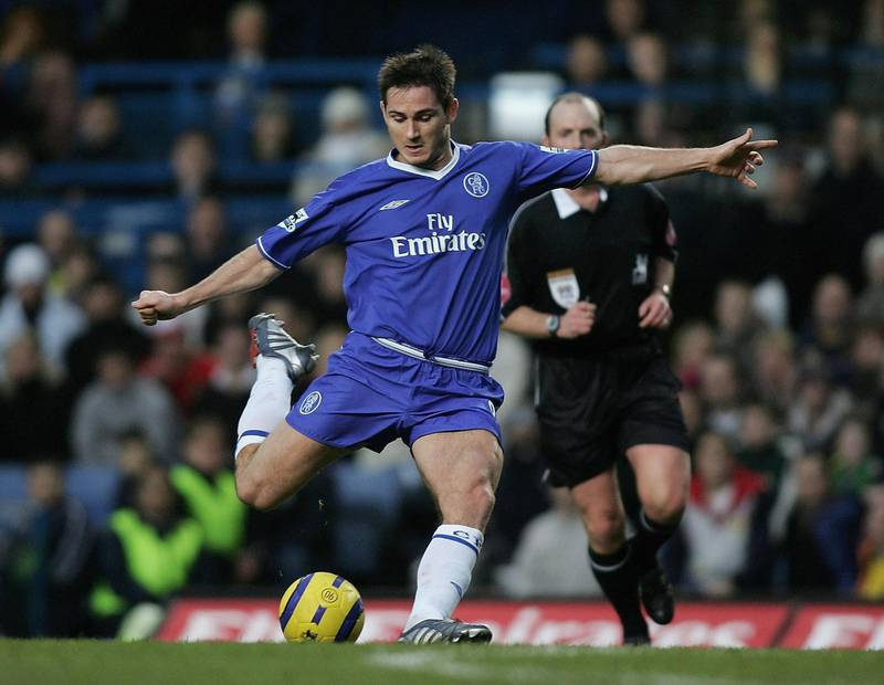 LONDON - DECEMBER 18:  Frank Lampard of Chelsea scores his teams second goal during the Barclays Premiership match between Chelsea and Norwich City at Stamford Bridge on December 18, 2004 in London, England.  (Photo by Ben Radford/Getty Images)