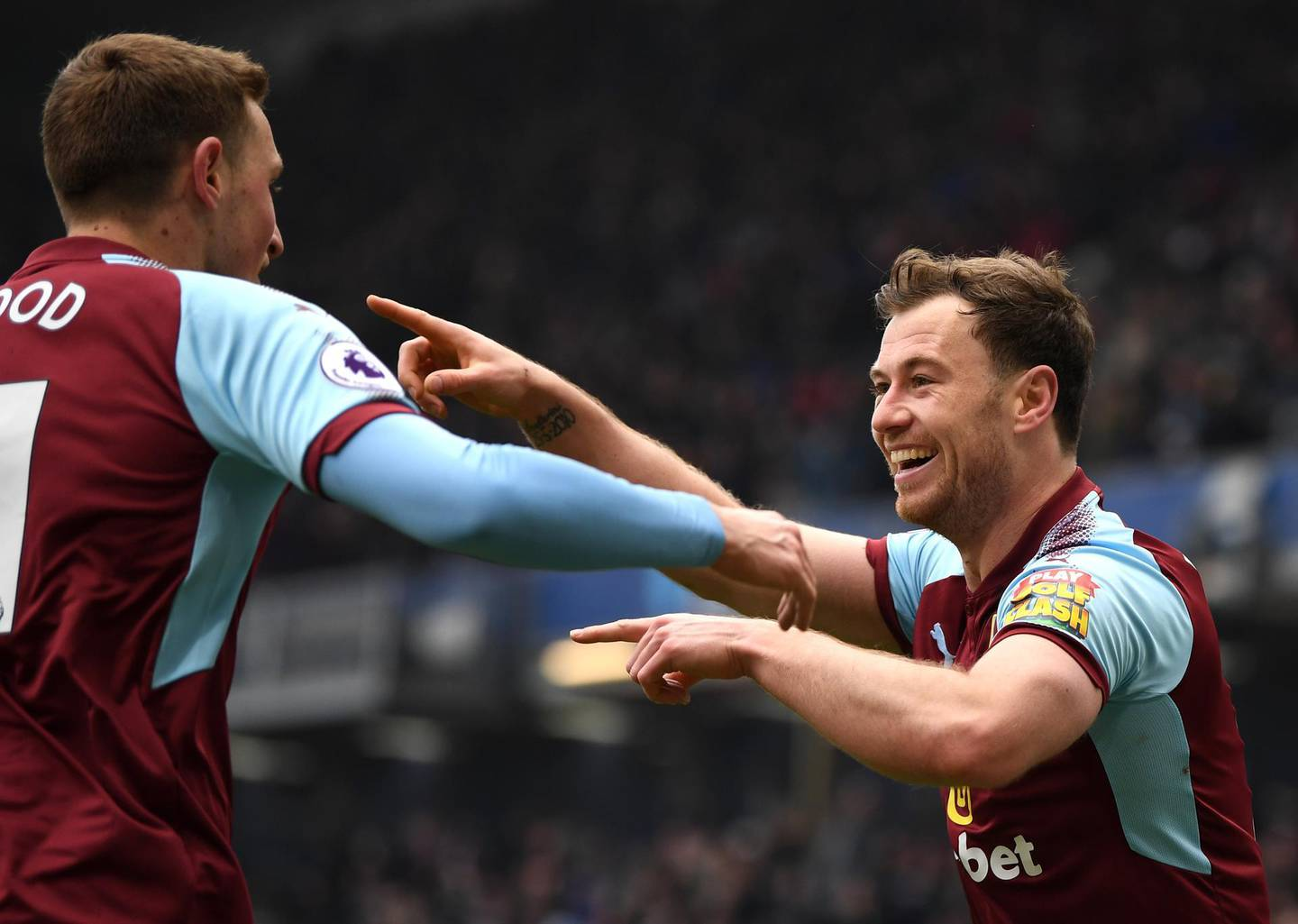 BURNLEY, ENGLAND - MARCH 03:  Ashley Barnes of Burnley celebrates scoring his side's first goal with Chris Wood during the Premier League match between Burnley and Everton at Turf Moor on March 3, 2018 in Burnley, England.  (Photo by Gareth Copley/Getty Images)