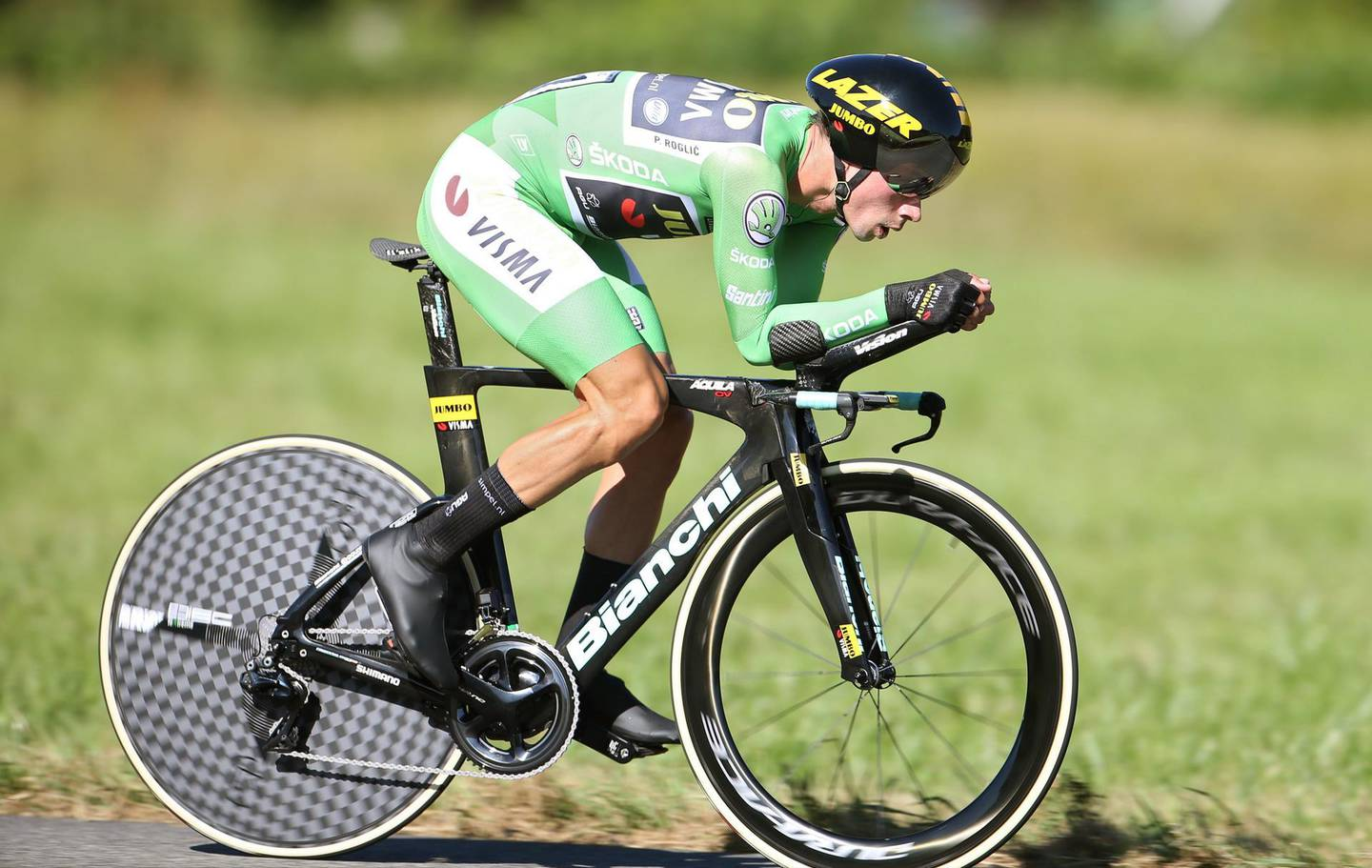 epa07815065 Slovenian rider Primoz Roglic of Jumbo-Visma team in action during the 10th stage of the Vuelta a Espana cycling tour, an individual time trial over 36.2km between Juracon and Pau, France, 03 September 2019.  EPA/JAVIER LIZON