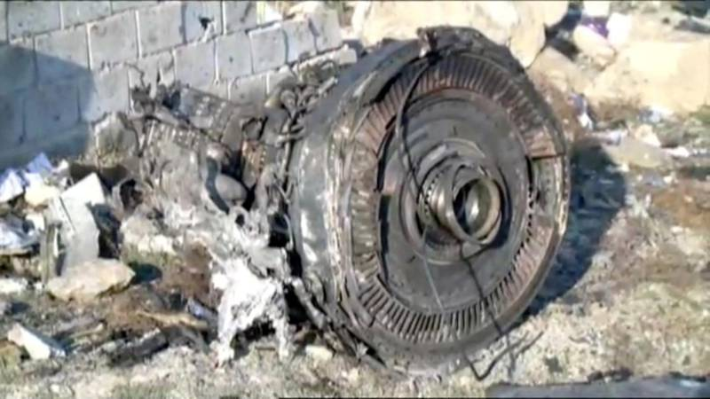 One of the engines of Ukraine International Airlines flight PS752, a Boeing 737-800 plane that crashed after taking off from Tehran's Imam Khomeini airport on January 8, 2020, is seen in this still image taken from Iran Press footage.   Iran Press/Handout via REUTERS   NO RESALES. NO ARCHIVES. THIS IMAGE HAS BEEN SUPPLIED BY A THIRD PARTY. IRAN OUT. NO COMMERCIAL OR EDITORIAL SALES IN IRAN. NO USE BBC PERSIAN. NO USE MANOTO. NO USE VOA PERSIAN. NO USE IRAN INTERNATIONAL.?