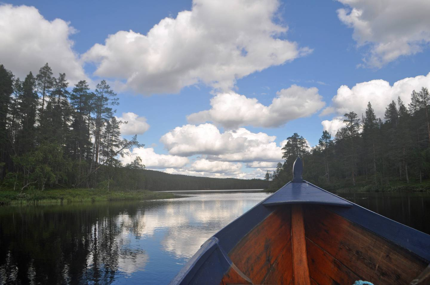 Travelling by boat in Lemmenjoki National Park, the largest national park in Finland (Photo by Rosemary behan) *** Local Caption ***  wk25de-tr-best-lapland.jpg