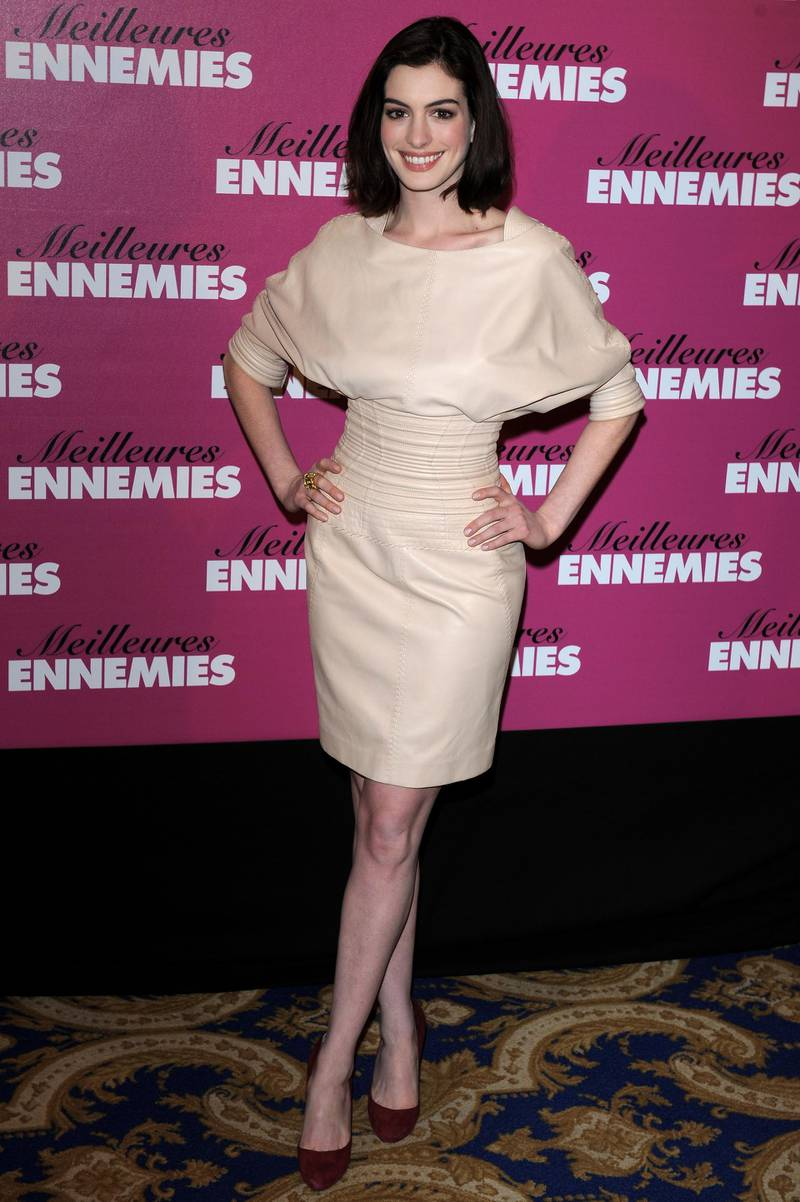 """PARIS - JANUARY 19:  Actress Anne Hathaway attends a photocall for """"Bride Wars"""" at Hotel George V on  January 19, 2009 in Paris.  (Photo by Pascal Le Segretain/Getty Images)"""