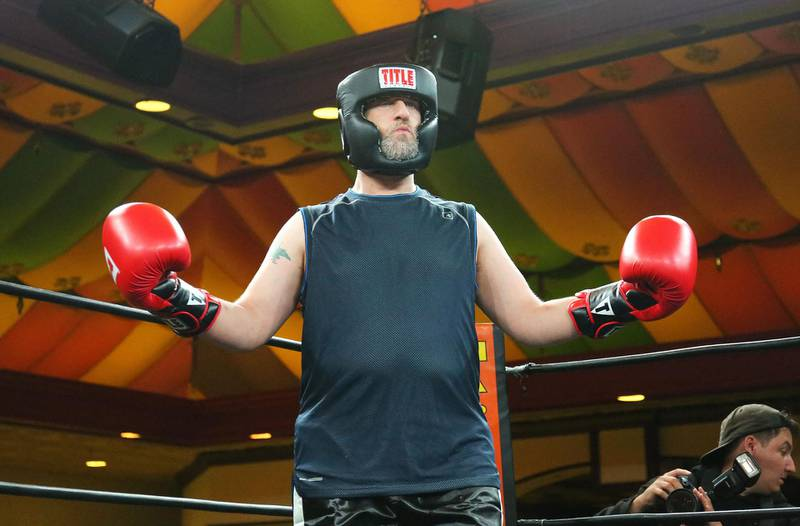 Mandatory Credit: Photo by MediaPunch/Shutterstock (10431732a) Dustin Diamond Celebrity Boxing 69 at Showboat Hotel, Atlantic City, USA - 28 Sep 2019 Dustin 'Screech' Diamond knocks out filmmaker Matt Wolf with first punch