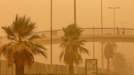 Egyptian arrested in Kuwait for complaining about the weather on social media