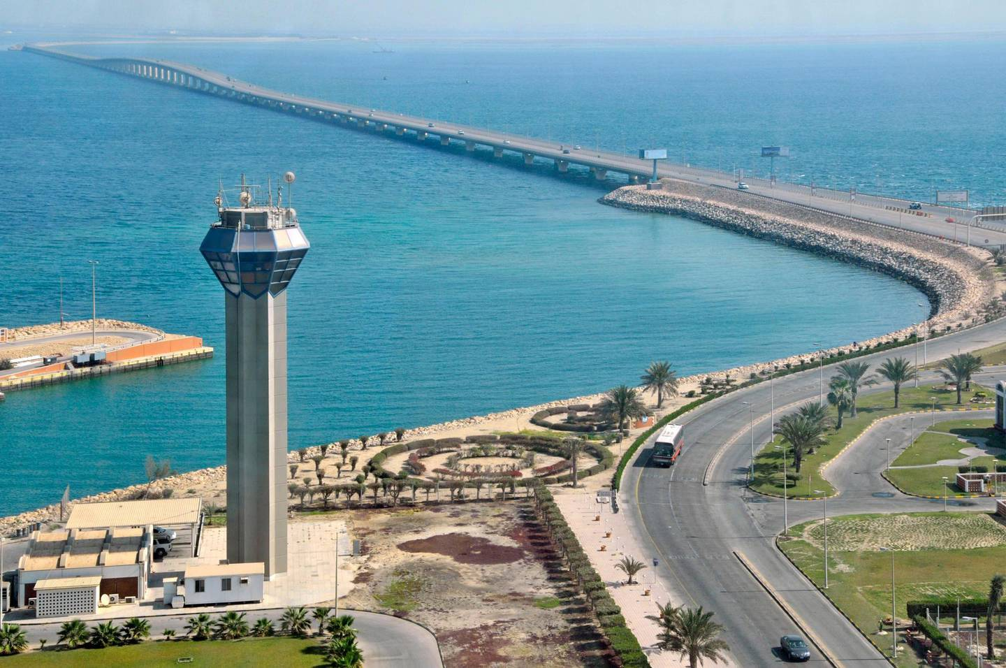 """BA5J4W King Fahd Causeway linking Bahrain and Saudi Arabia in Persian Gulf view towards Bahrain from approx """"mid point"""" services area"""