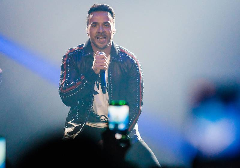 SAO PAULO, BRAZIL - MAY 04: Luis Fonsi performs live on stage at Espaco das Americas on May 4, 2018 in Sao Paulo, Brazil.(Photo by Mauricio Santana/Getty Images)