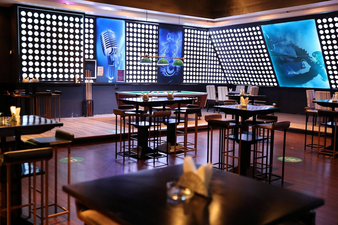 DUBAI, UNITED ARAB EMIRATES , August 17 – 2020 :- View of The Viper Room, Italian restaurant and lounge at the Grand Excelsior Hotel in Al Barsha in Dubai. (Pawan Singh / The National) For Business. Story by David